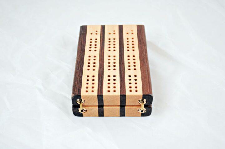 3-Player Travel Cribbage - Peruvian Walnut & Maple - Hinges