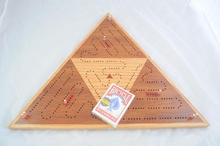 Triangle 3 Player Cribbage Race Board - Cumaru & Red Oak with Padauk Inlays Top Playing